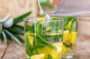 pineapple-mint-infused-water