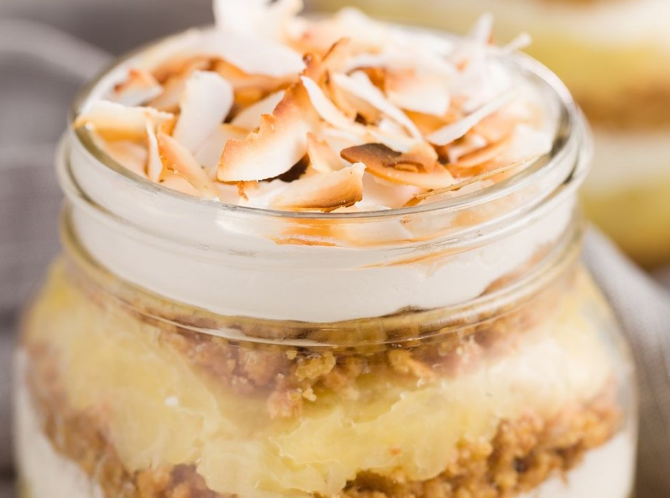 labor day party pineapple pie jar