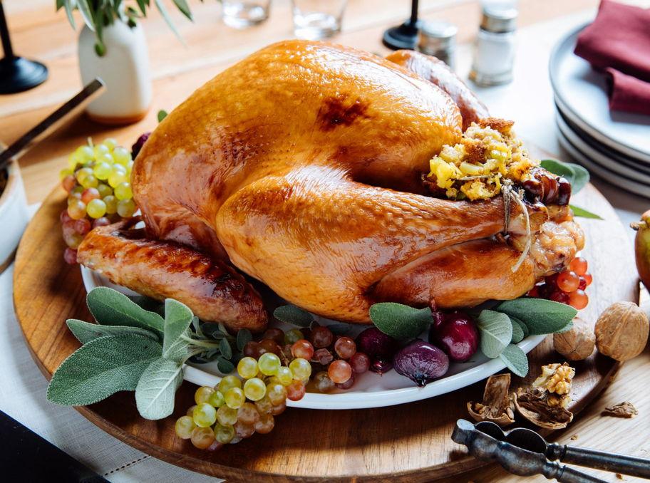 unique thanksgiving recipes pineapple turkey
