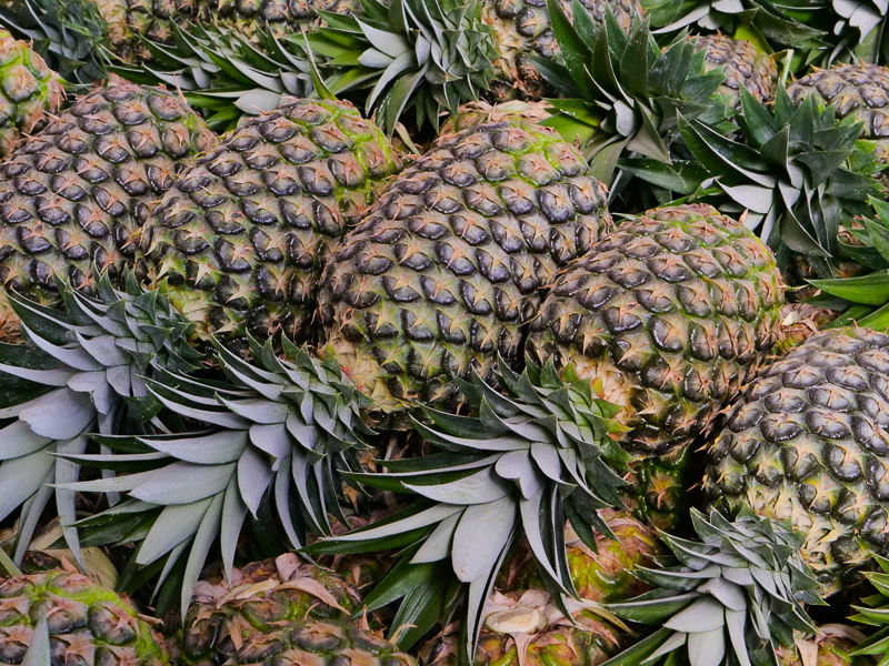 pineapple displays merchandising tips