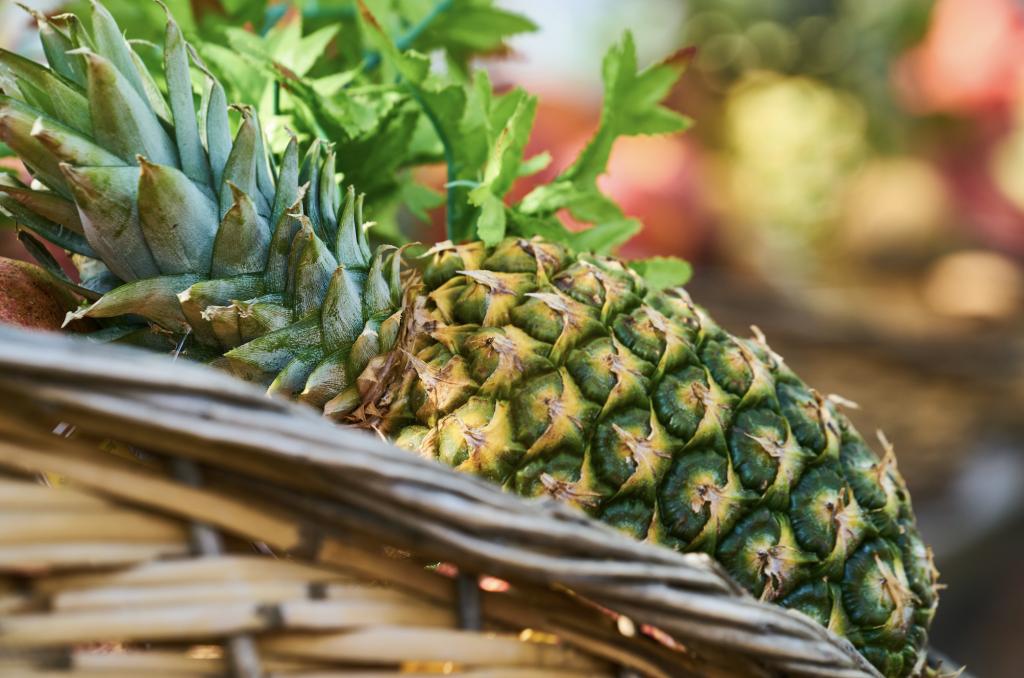 Choose a Ripe Pineapple